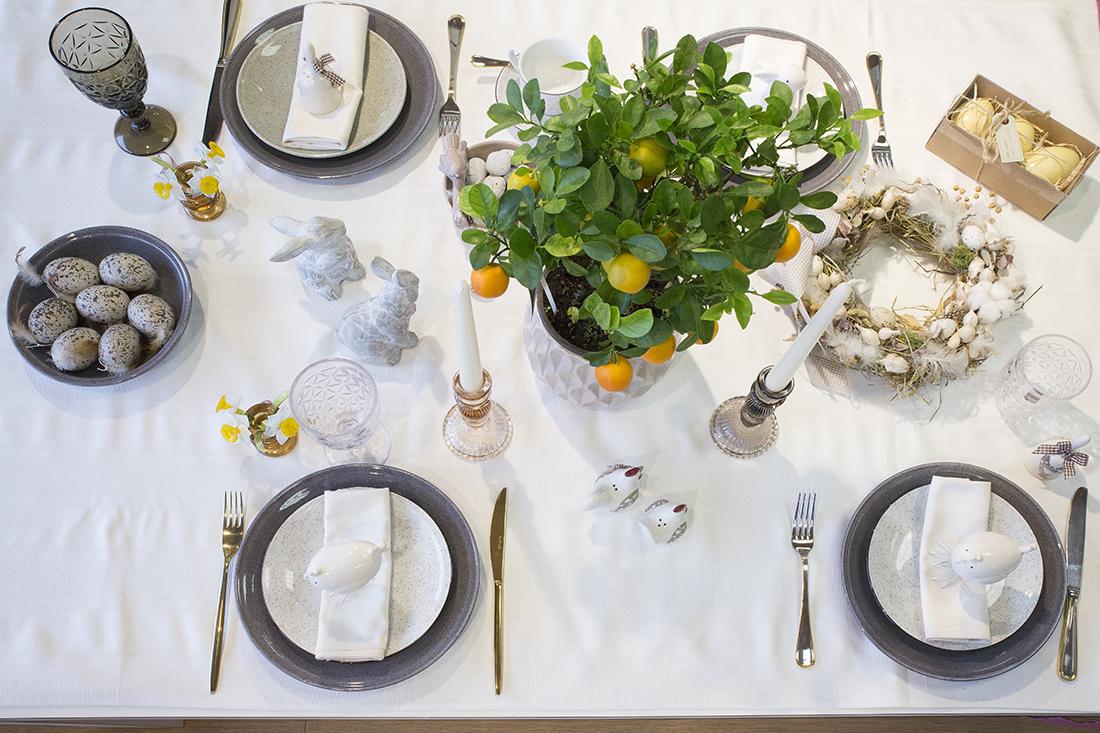 Prekybos centras VCUP_stalo dekoravimas_Velykos_stalas