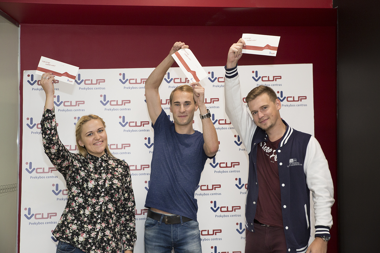 Prekybos centras VCUP_Pardaveju konkurso prizu iteikimas_6